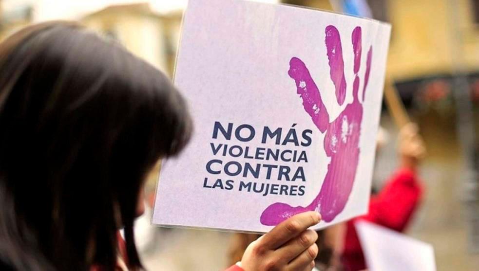 Contra la mujer
